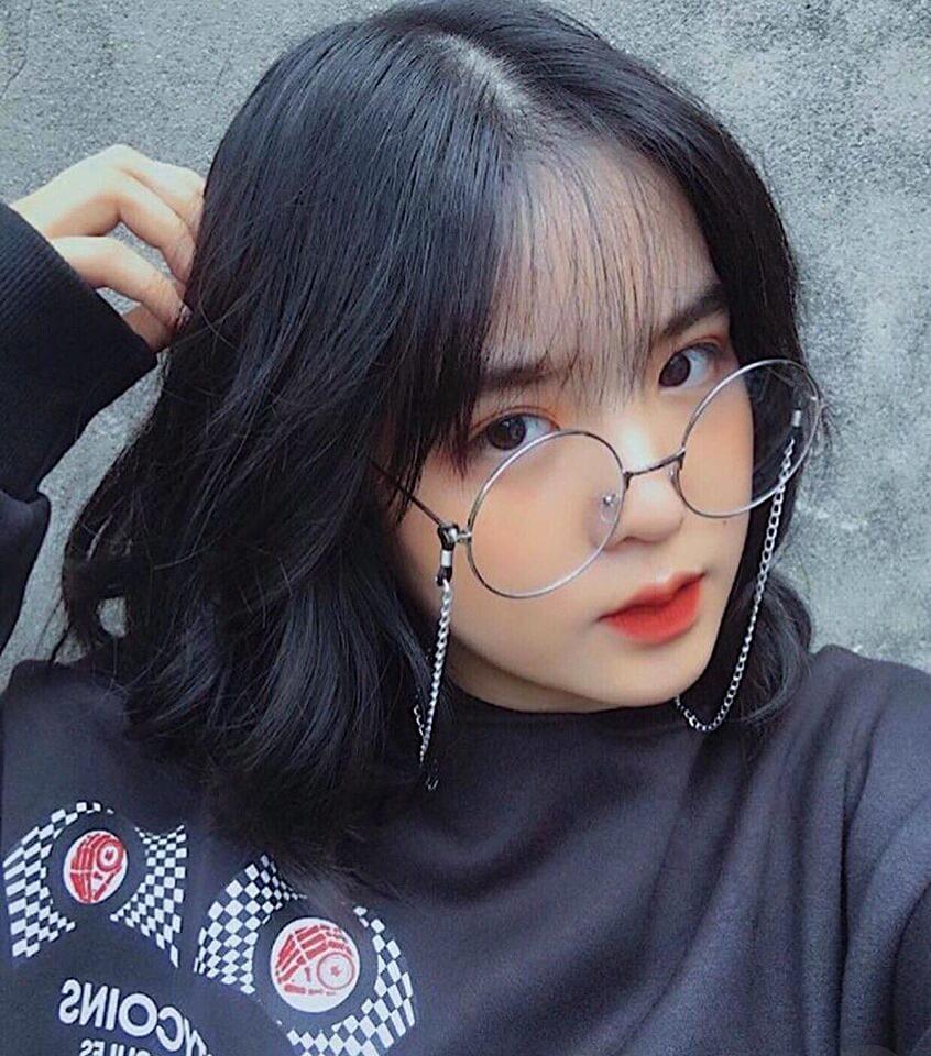 kính mắt tròn có dây đeo kính đẹp